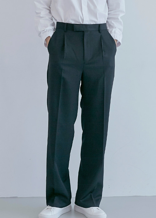 one - tuck trousers black